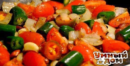 Как сделать полезные продукты еще полезнее Томаты и авокадоЧто дает сочетание Уменьшает воспаление.Если вам нравится мексиканская еда, попробуйте совместить в одном блюде томаты и авокадо. Жиры,
