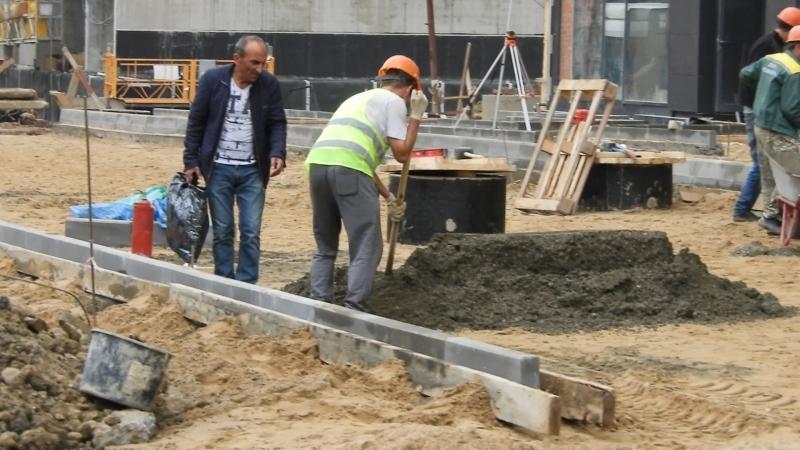 Etalonsadforum ЖК Летний сад - корпус 4а, уже строят дорогу на придомовой территории