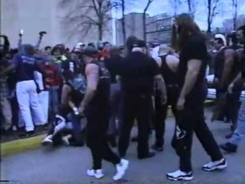 WCW nWo Thunder February 19th 1998 nWo attack Le