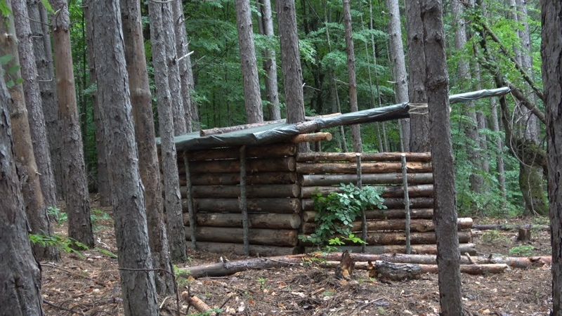 BIG WOOD SHELTER BUILDING AT 1200 METERS HIGH ON THE MOUNTAIN IN THE FOREST FOR ALL SEASON!