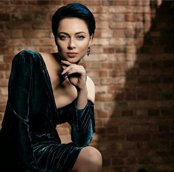 Настасья Самбурская возвращается в сериал «Универ». Будет юбилейный сезон.
