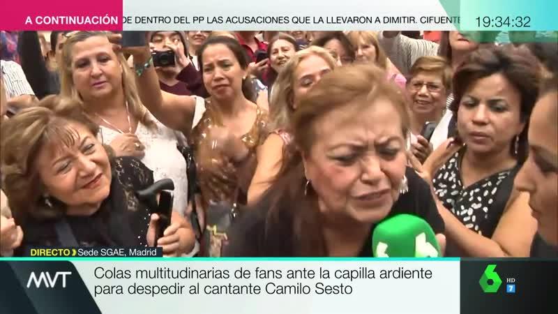 1280x720 La exaltación de las fans de Camilo Sesto puertas capilla ardiente ¡Camilo vivo 9 9 19 Mas Vale Tarde La Sexta
