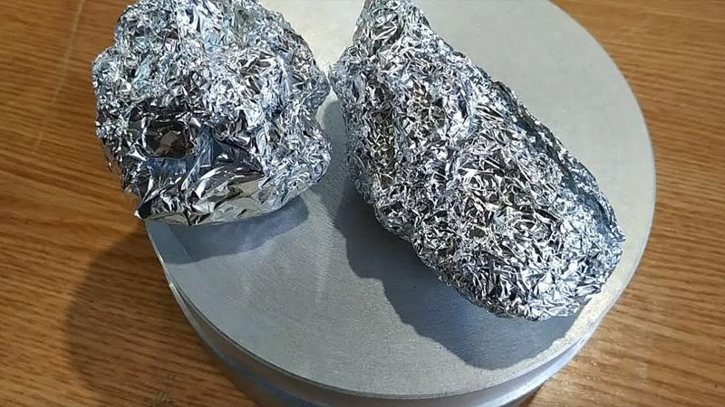 Много волшебного порошка в расплавленный алюминий