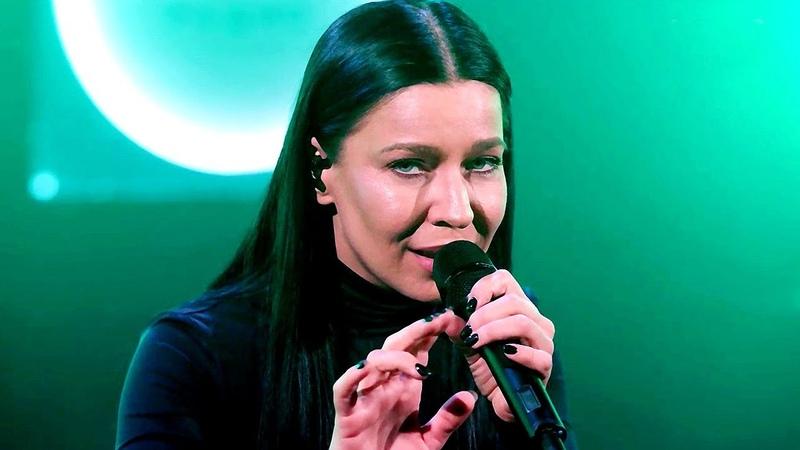 Ёлка исполнила песню Комната на Новом радио