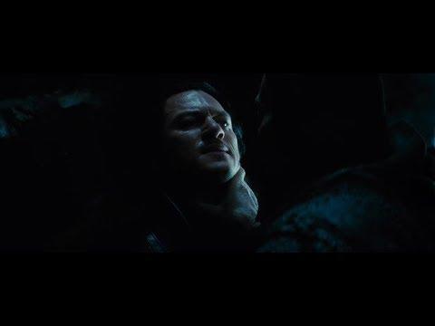 Влад выпил крови вампира Момент из фильма Дракула 2014