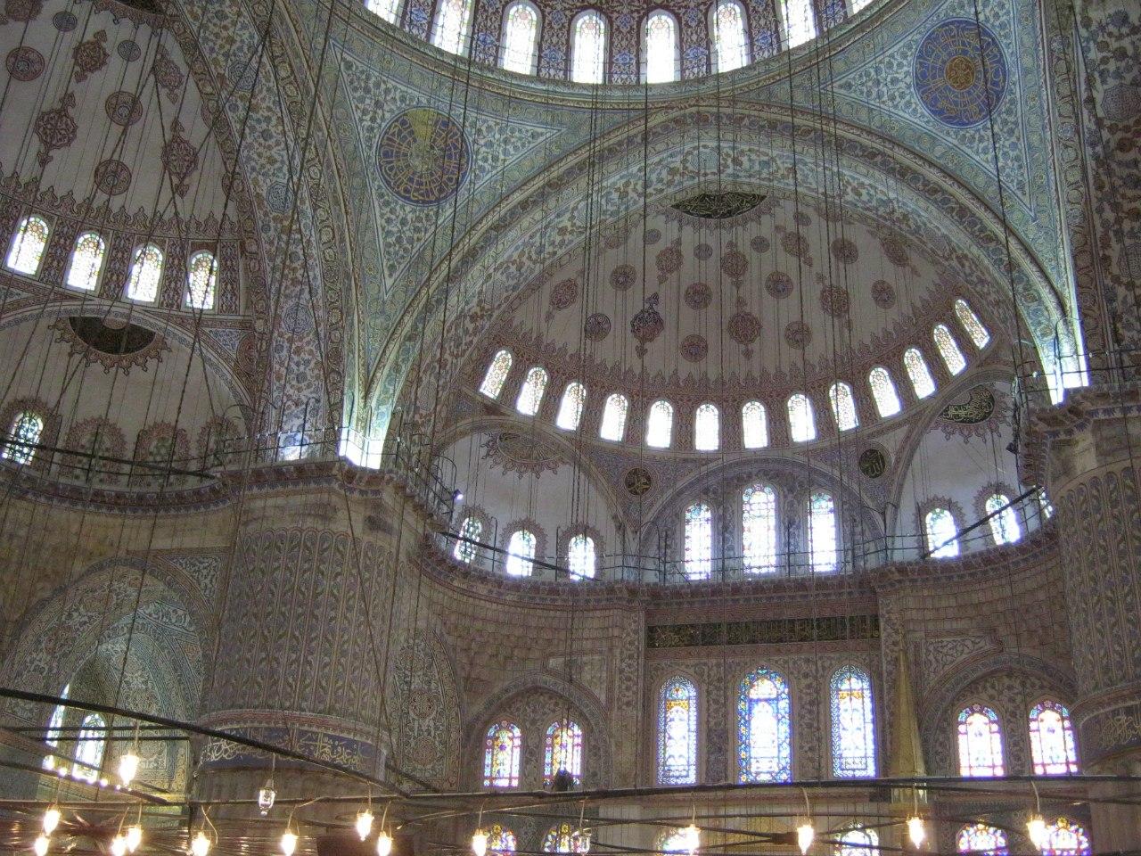 самая интересная и большая мечеть Стамбула