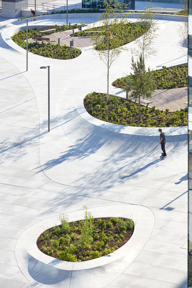 V-Plaza Urban Development / 3deluxe architecture