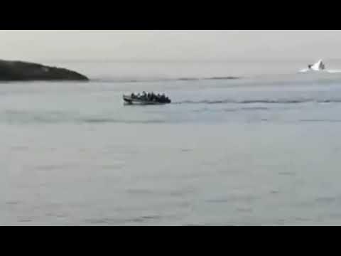 Illegale Einwanderer werden in Lampedusa gefilmt