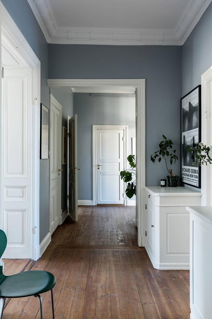 Контрастные цвета и огромные картины: красивая квартира в Стокгольме || 02