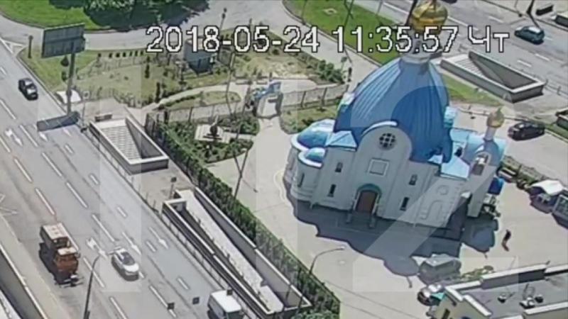 Реставратор сорвался с купола храма в Москве
