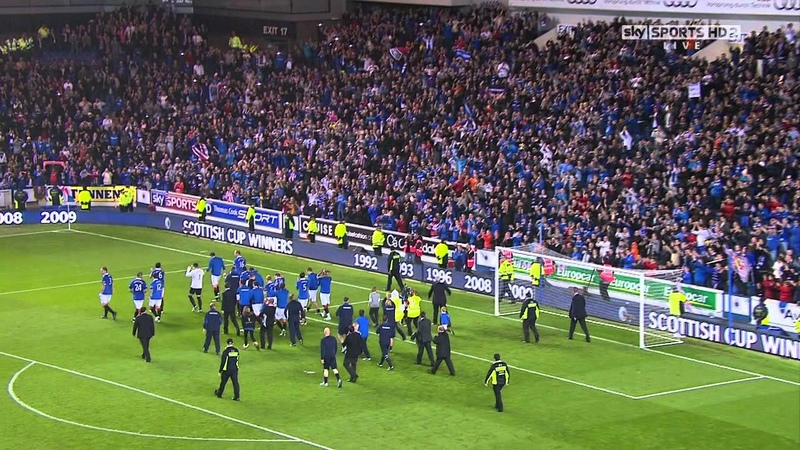 Walter Smith Lap Of Honour After Last Match At Ibrox 10th May 2011