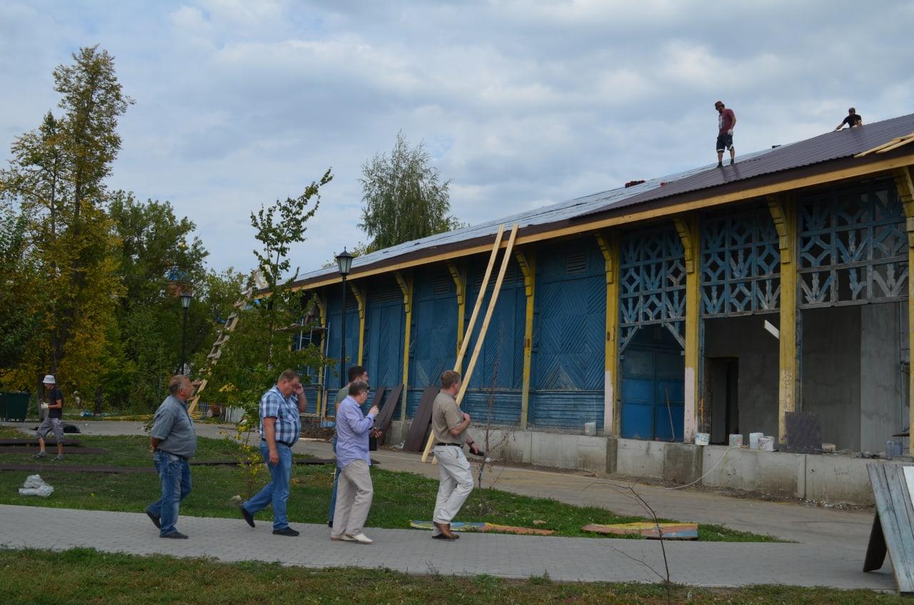 В городском парке культуры и отдыха продолжается благоустройство территории