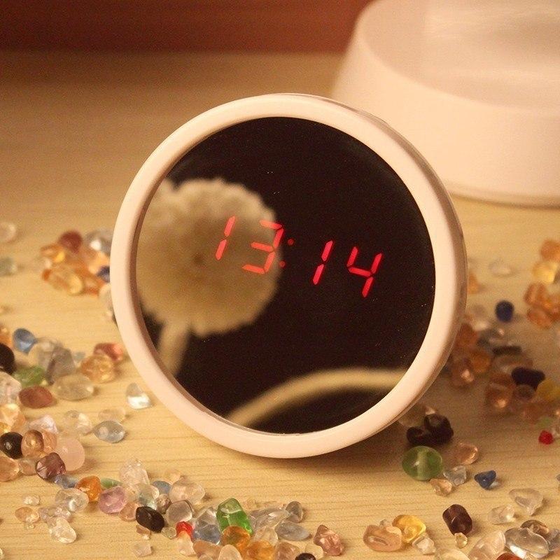 Цифровые зеркальные часы с будильником -
