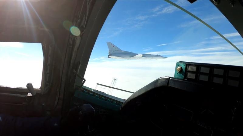 Полёт дальних бомбардировщиков Ту-22М3 над нейтральными водами Чёрного моря