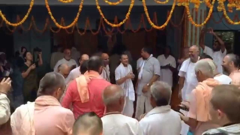 Krishna Balaram Seva Kunj Vrindavan Kartik 2015 Extatic kirtan