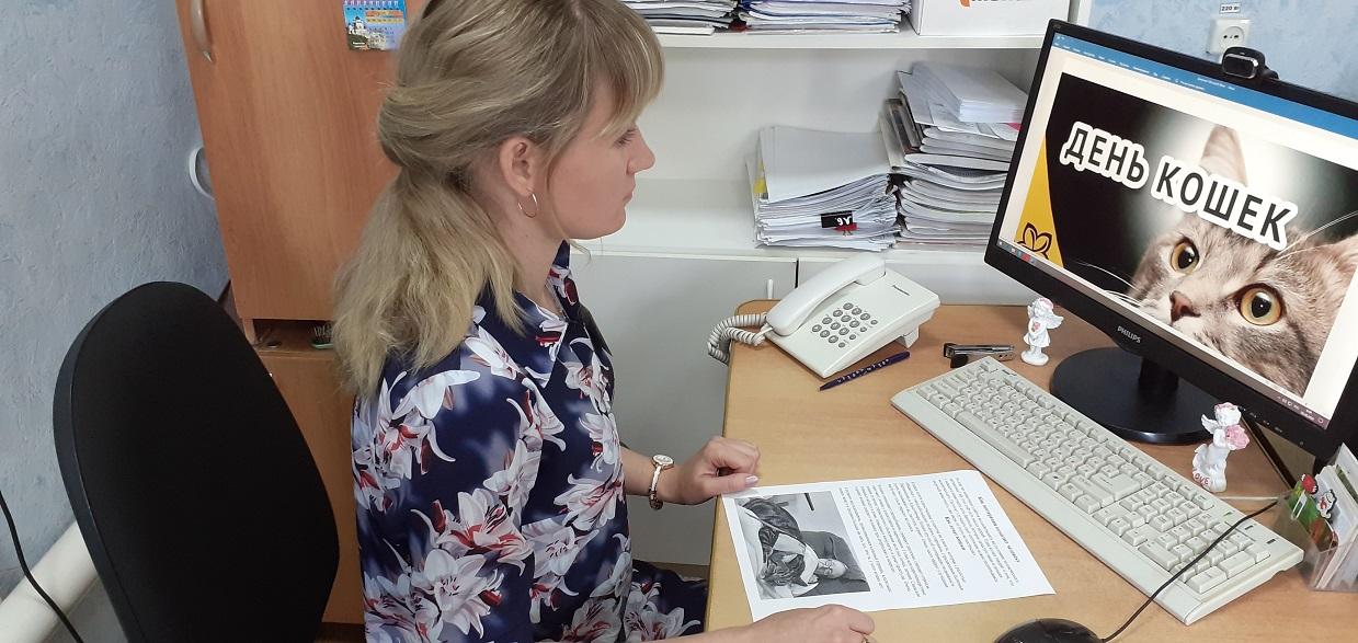 Для клиентов Центра социального обслуживания населения Петровска провели занятие по зоотерапии