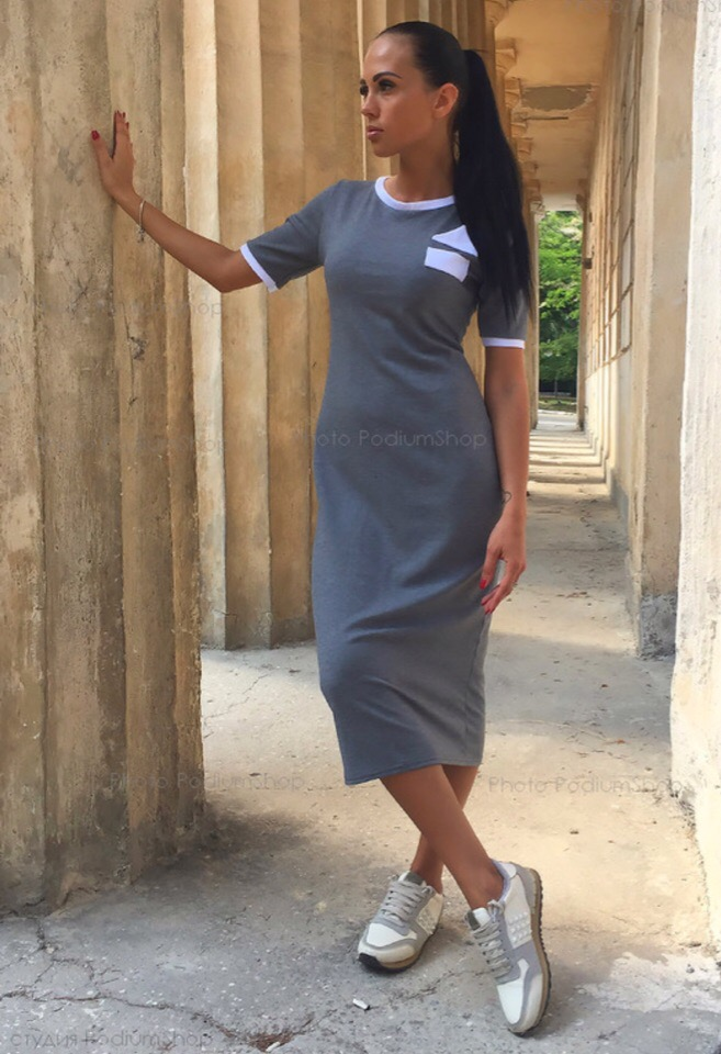 Платье из трикотажа джерси в наличии