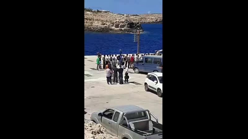 Lampedusa 🤚🏻🖤