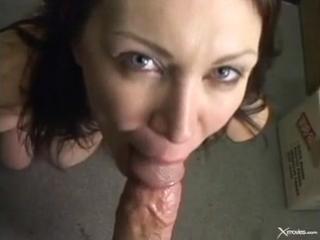 Ненасытная зрелка Rayveness отсасывает коллеге на работе | MILF mature mommy dirty mom blowjob cum facial милф мамка зрелая мама