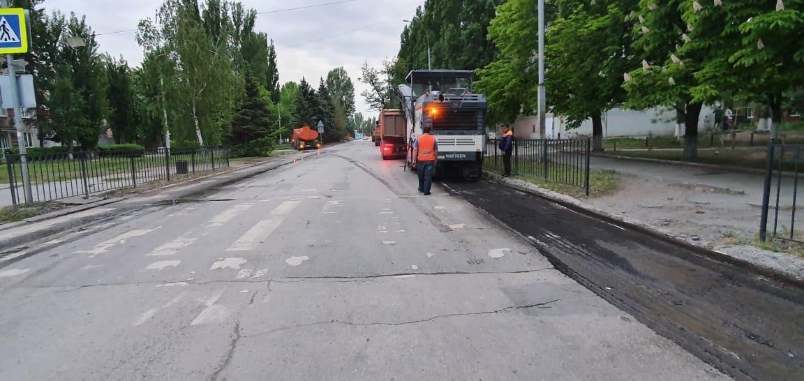 В городе Таганроге приступили к дорожным работам по улице Морозова