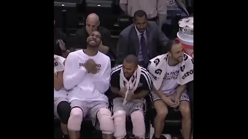 Duncan was all business in his Hall of Fame career but he still good a good laugh when Manu caught him slippin' 🤣