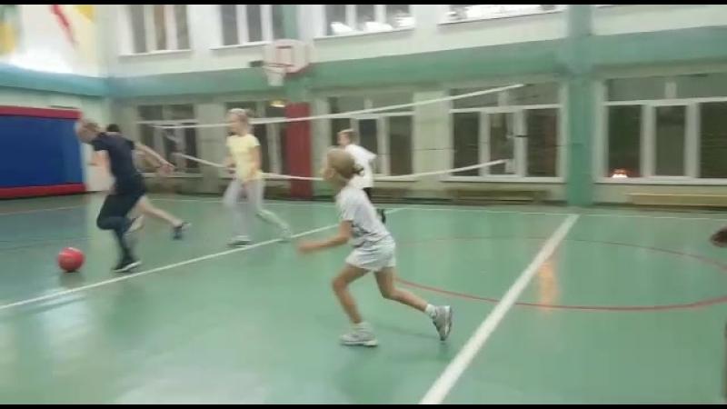 В завершение тренировки по теннису можно немного поиграть
