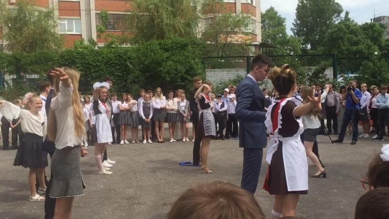 Вальс выпускников Школы «Мариоль»
