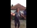 бабушка в танце)
