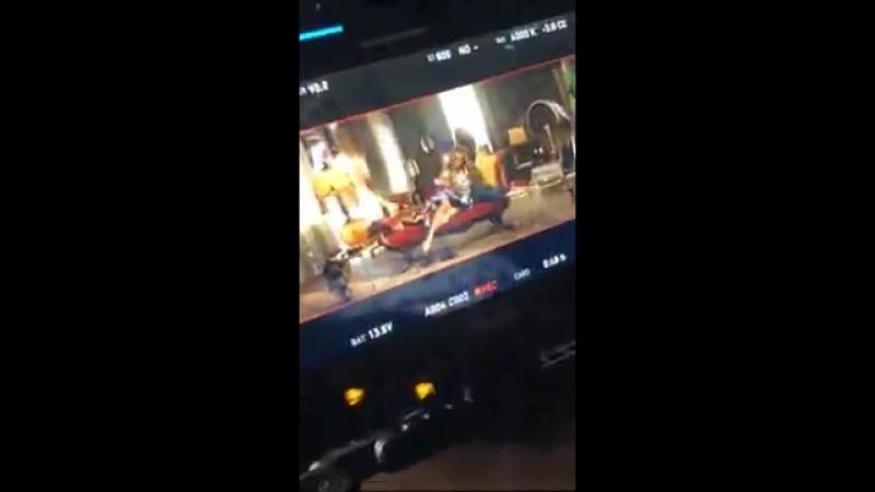 Дата: 7 марта ›› Дженнифер на съемках клипа на песню «Se Acabo El Amor»