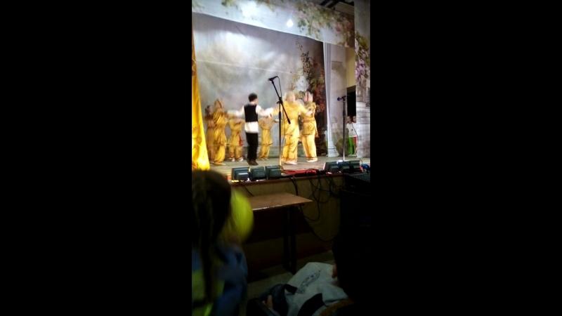 нур группа танец еврейский