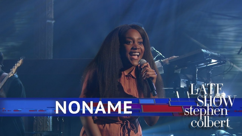 Выступление Noname с песнями «Blaxploitation», «Prayer Song» и «Don't Forget About Me» на шоу Стивена Кольбера