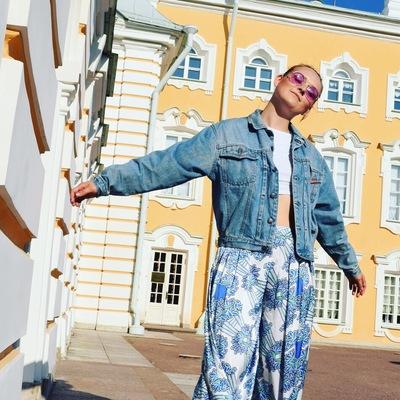 Лиза Елатанцева