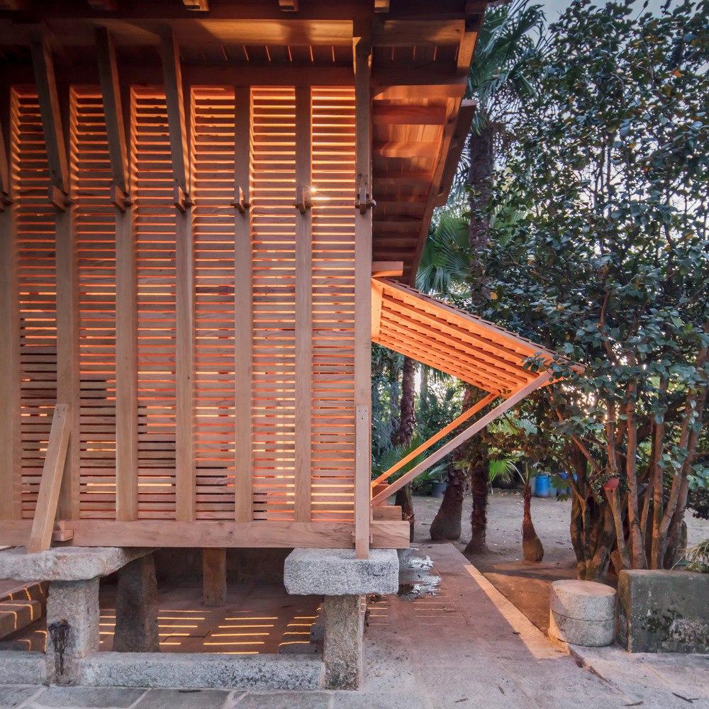 The Dovecote-Granary / Tiago do Vale Arquitectos