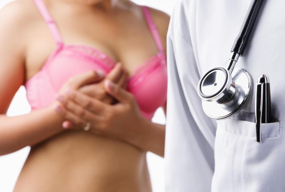 Маммограмма может быть использована для диагностики рака молочной железы после обнаружения куска во время рутинного обследования груди.
