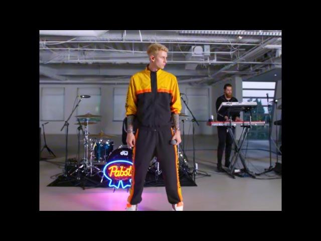 Machine Gun Kelly - The Break Up (LIVE) 2018