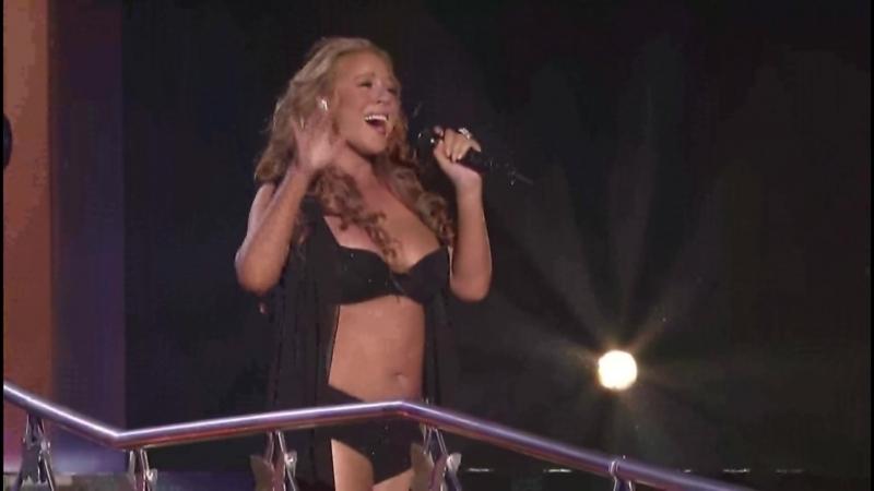 Mariah.Carey в костюме амазонки.(2007)