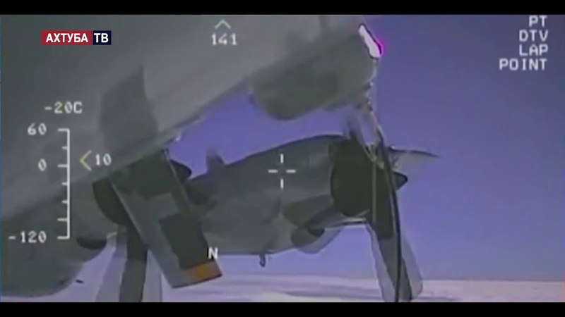 Сближение Су-27 и самолета-разведчика Boeing P-8 Poseidon