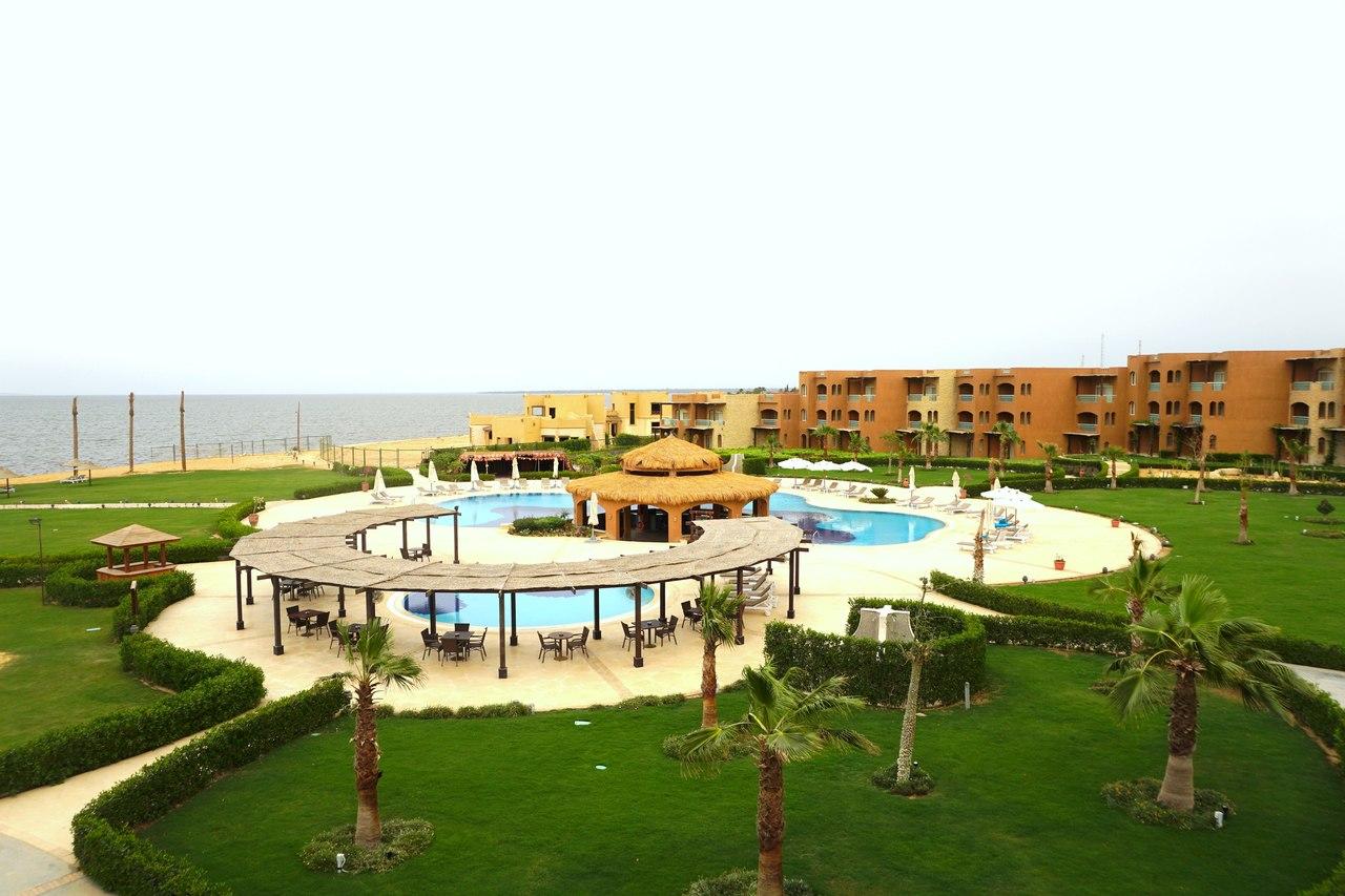 Очень необычный отдых в Египте озеро, отеля, Кроме, несколько, Египта, самое, Помимо, Египте, практически, номеров, Стандартный, бассейн, можно, здесь, оазисов, спиной, песков, километров, тысячи, вплоть