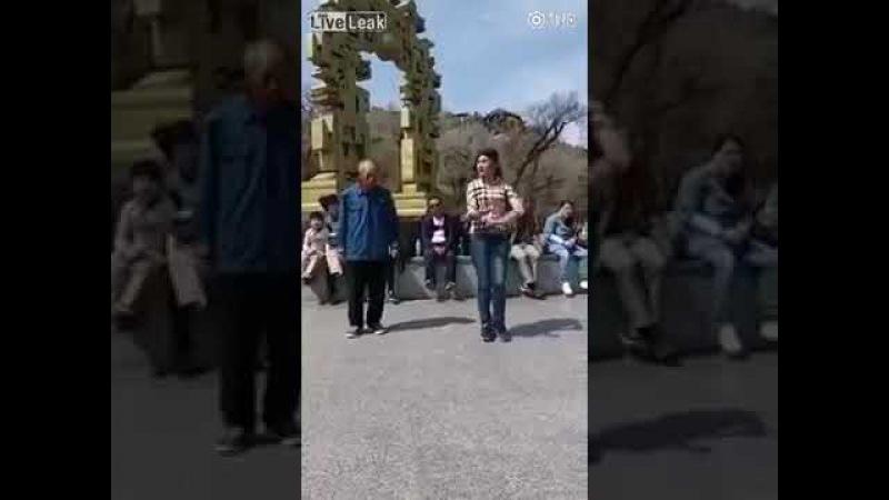 Дедушка танцует с внучкой 2 часть » Freewka.com - Смотреть онлайн в хорощем качестве