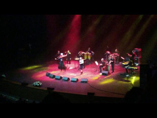 Выступление азербайджанской певицы на концерте Мустафы Сандала, Крокус сити хо ...