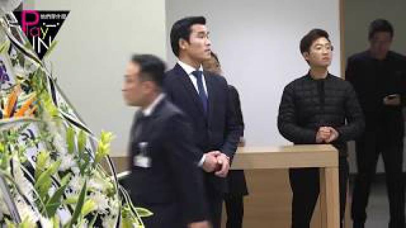 샤이니 종현 빈소, 동료·선후배·팬들 눈물의 조문 행렬