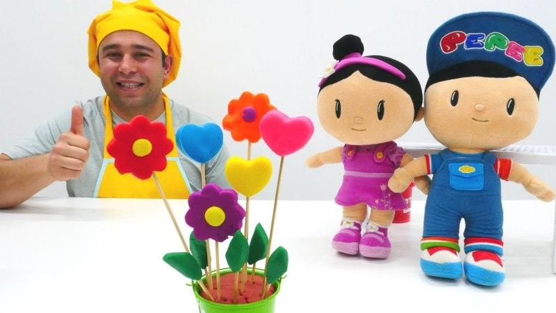Anneler Günü. Play Doh oyun hamurdan çiçekli kurabiye!