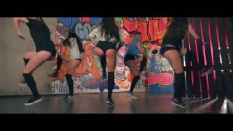 Lesya,Lessi Tyga – Bouncin On My Dick