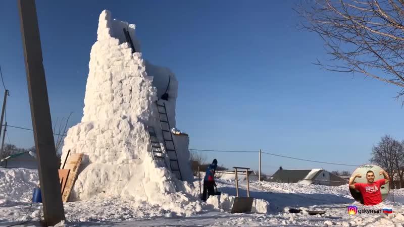 Татарстанец слепил самого большого снеговика