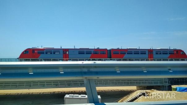 На Крымском мосту впервые замечен поезд