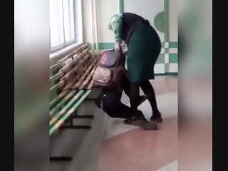 В Комсомольске-на-Амуре учительница избила школьника