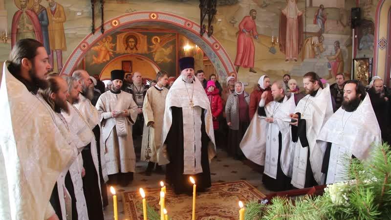 Принесение мощей святого праведного воина Феодора в Дивеево