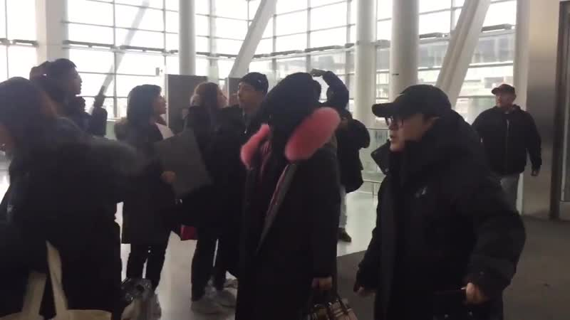 190220 Toronto Pearson International Airport to Vancouver, Canada RedVelvet 레드벨벳