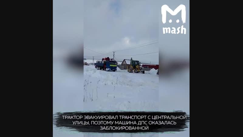 Сотрудники ДПС составили акт о занесенной снегом дороге, но сами не смогли выехать