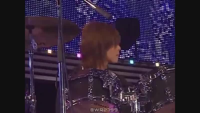 RT - ユノさん ドラム า า 長編 - - 師匠さんにスティック貰って - 貰いましたユノユノスティック - と喜んでるのかわいすぎた以下鼻血またいつかご披露してください_
